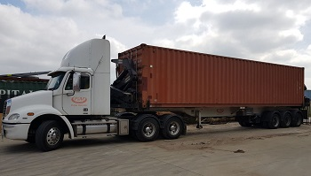 40 foot container on transport_XS